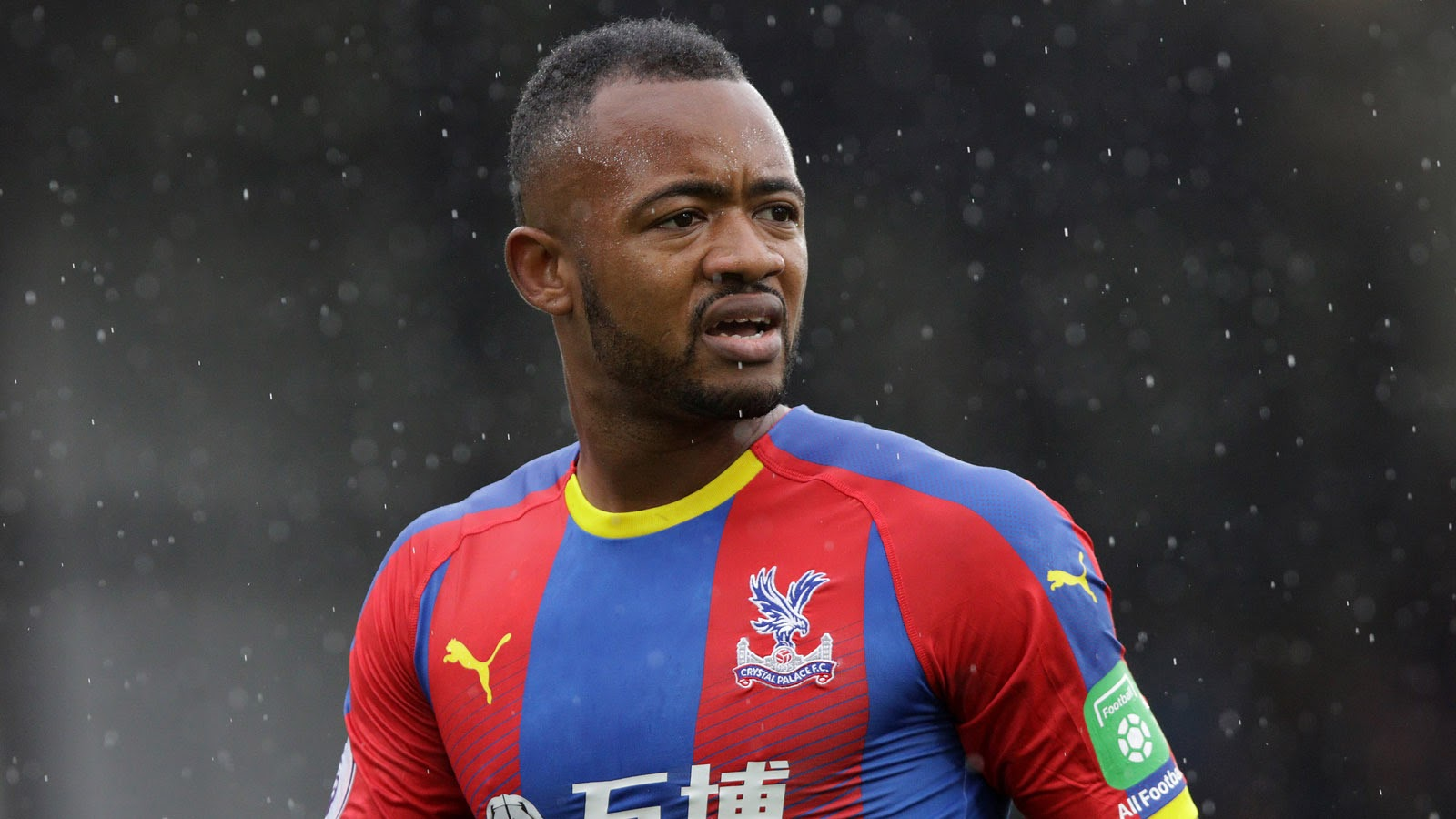 Ayew hiện đang thi đấu cho Crystal Palace